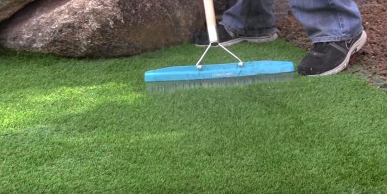 Искусственная газонная трава уборка и чистка