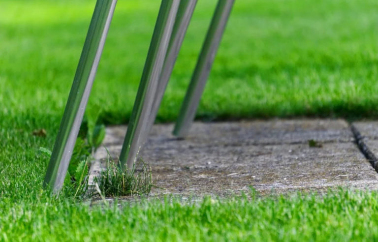 Места где можно укладывать искусственную траву, о которых вы и не догадывались!